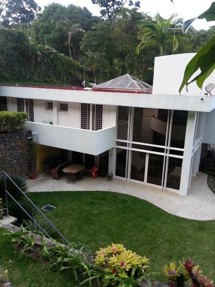 Moderna Casa En Oripoto De 4 Habitaciones Mas 2 Estudios