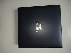Caixa Empodera Com Um Medidor Anelar E Seis Certificados