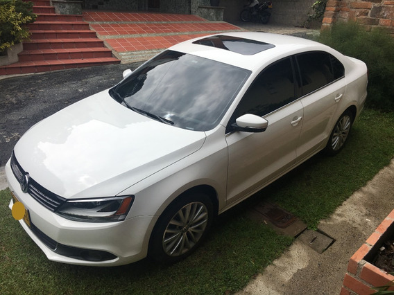 Volkswagen Nuevo Jetta Comfortline Blanco 2013 60.000 Kms