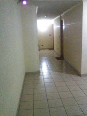 Depto 1 Dormitorio Sector Stgo-centro, Incluye Gasto Común