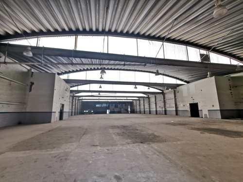 Bodega De 2,300 M2, Con Oficinas, Cuautitlán Izcalli.
