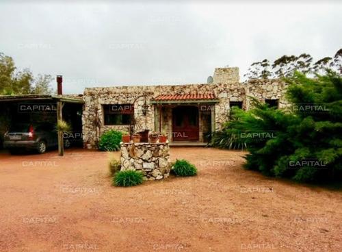 Casa En Barrio Privado El Quijote Punta Del Este- Ref: 25382