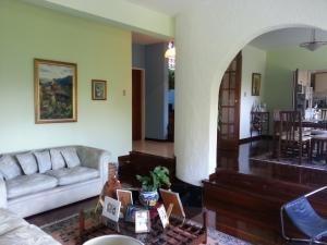 Simon Montaño Mls 21-4233 Casa Alquiler El Penon