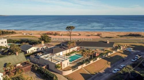 Espectacular Residencia Frente Al Mar!- Ref: 2742