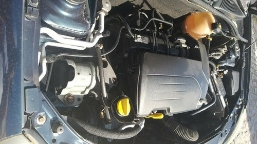 Renault Clio 2005 1.0 16v Authentique Hi-power 5p
