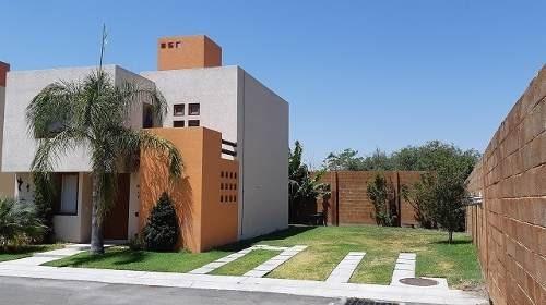 Casa En Renta En Esquina Con Terreno Excedente Puerta Real