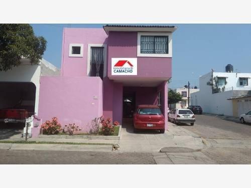 Casa Sola En Venta Esquina; Ubicada En Jardines De Bugambilias, Cerca De Wal-mart 3er Anillo Y City