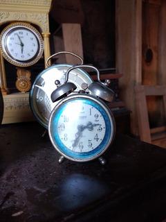 Reloj Antiguo Y Más Antiguedades