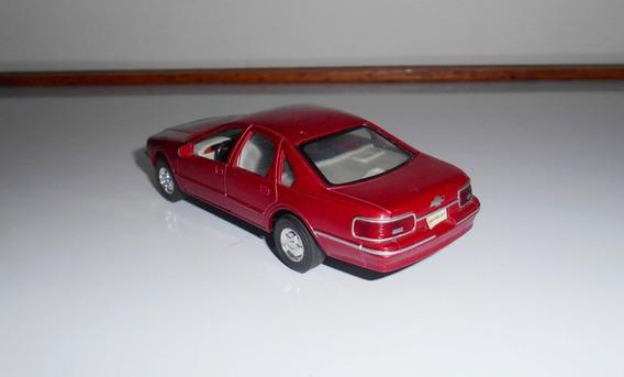 1:43 Chevrolet Caprice 1991 Kinsmart