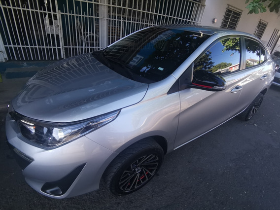 Toyota Yaris Sedan S Mt 1.5 Carro Economico 4cil