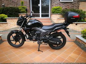 Honda Invicta Negra 2016