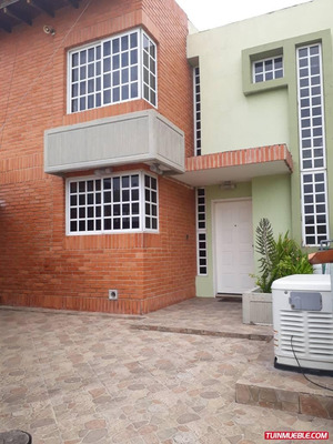 Townhouses En Venta Urb Araguama Country 04125317336