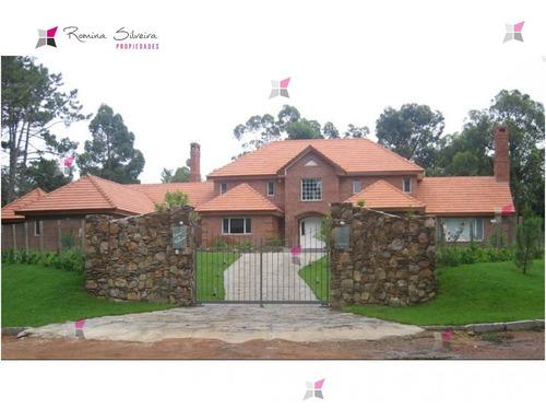 Casa En Golf, 5 Dormitorios *- Ref: 7618