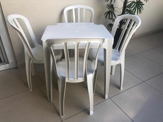 Conjunto De Mesas E Cadeiras De Plástico Goyana Unica 182kg