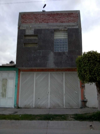 Casa En Bulevar Río Mayo, 2 Plantas, 3 Recámaras