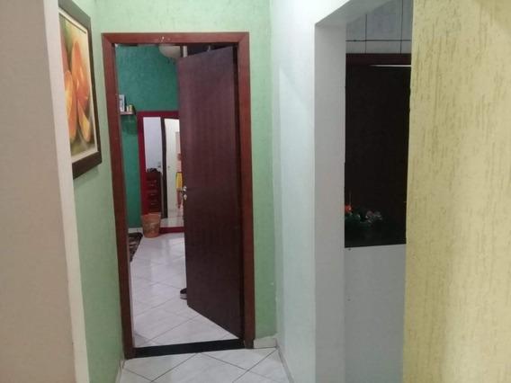 Casa Com 6 Cômodos E 2 Banheiros