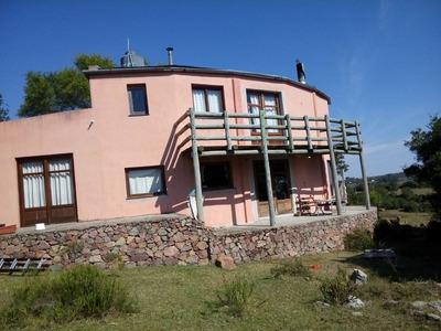 Casa En Villa Serrana.