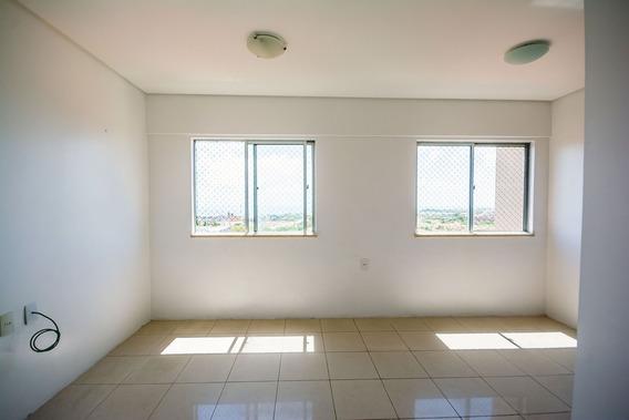 Aluguel Apartamento Rua Vilebaldo Aguiar, 3 Quartos