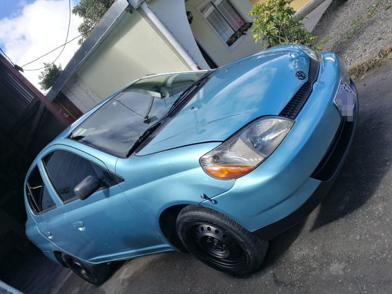 Toyota Echo -