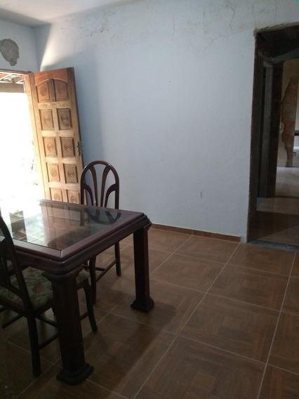 Casa Com 1 Quarto , Banheiro, Sala , Cozinha, Área E Varanda