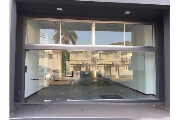 Alquiler/ Salón Comercial/ Zona Centro/ Rafaela