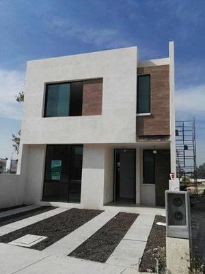 Casa En Venta - Villas De Bernalejo - Irapuato, Gto