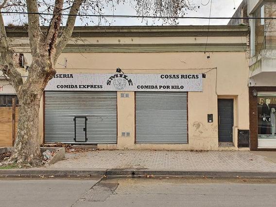 Local Comercial En Alquiler En Centro De Zarate Sobre Castelli Casi Esquina Justa Lima
