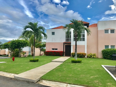 Venta Casa En Royal Decameron, Golf Community / 4 Recamaras