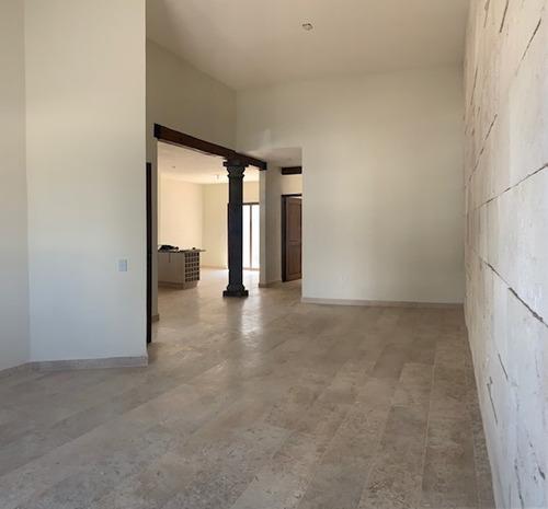 Imagen 1 de 14 de Qh1 Casa En Venta En Colinas De Juriquilla Con Techos De Doble Altura