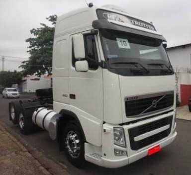 Volvo Fh 440 - 2011 - 6x2 - Teto Alto - Manual