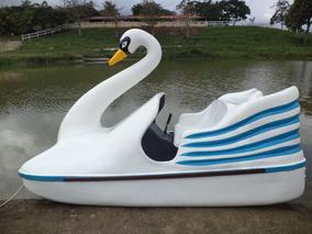 Pedalinhos Modelo Cisnes