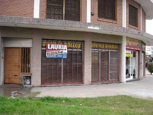 Locales En Esquina - Alquiler