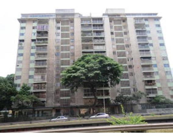 Maritza Gonzalez Vende Apartamento La Florida 16-11384