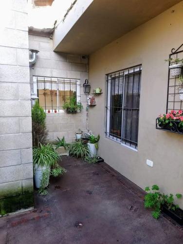 Oportunidad Casa 4 Ambientes Con Cochera Jardin