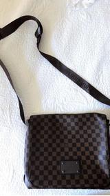 9cb4ffc31 Bolsa Masculina Transversal Da Louis Vuitton Lv - Calçados, Roupas e ...