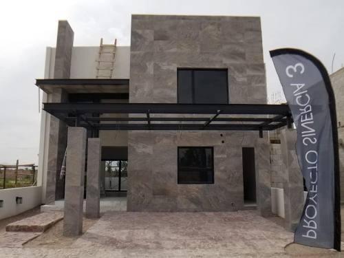 Casa Sola En Venta Residencial Altozano