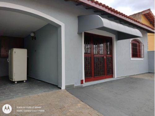 Imagem 1 de 14 de Casa Região Do Flamboyant - 3 Dormitórios E Edícula