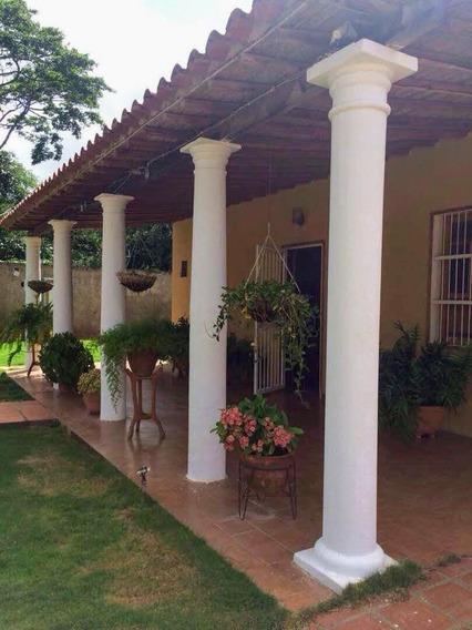 Bella Casa De 5 Habitaciones Para 12 Personas Zona Turística