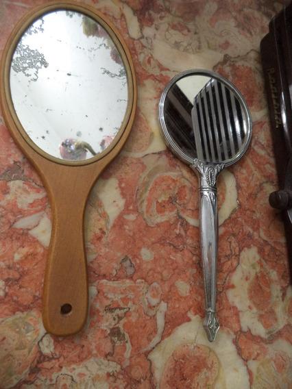 Espelhos De Mão - Par Antigo Madeira E Plastico