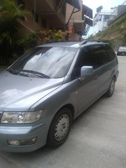 Camioneta Mitsubishi Space Wagon 2002, Impecable, 07 Puestos