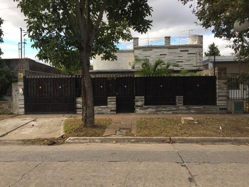 Casa En Venta En Cruce De Florencio Varela