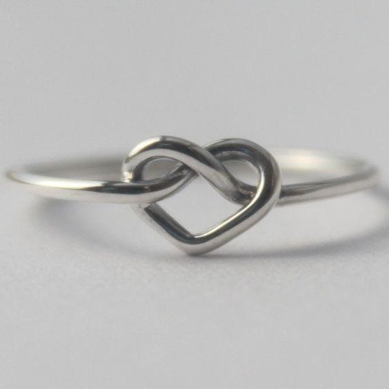 Anel Com Coração Em Prata 950