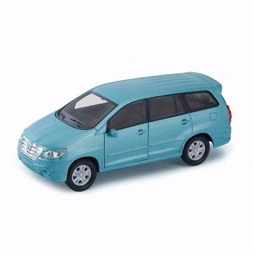 Toyota Innova Escala 1/36 Welly Ploppy 373556