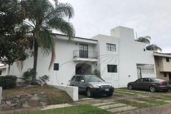 Casas En Venta En Country Club, Guadalajara