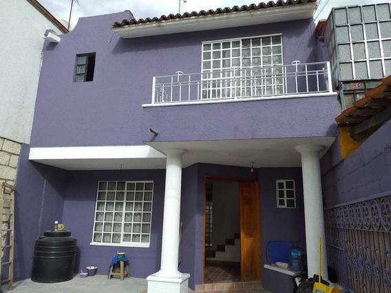 Rento Casa Frente A Tec De Monterrey Y A Una Cuadra De Bq