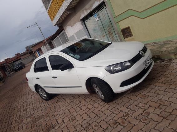 Volkswagen Voyage 1.0 Vht Total Flex 4p 2013