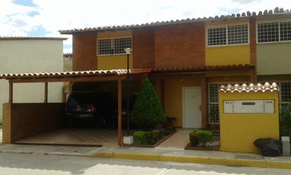 Hermoso Town House - Carmen Ramírez 04123995578
