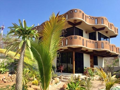 Casa En Venta En Puerto Escondido, Oaxaca.