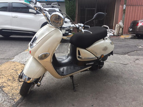 Motocicleta Italika Vitalia 125 Cc 2015 Unico Dueño Motoneta