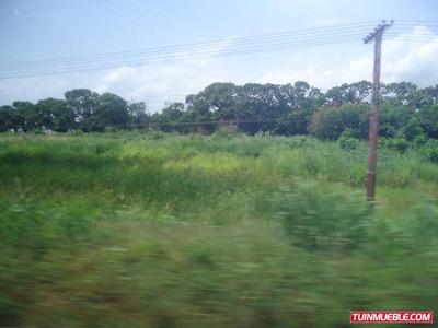 Terreno En Carretera Nacional Los Guayos Gut-34